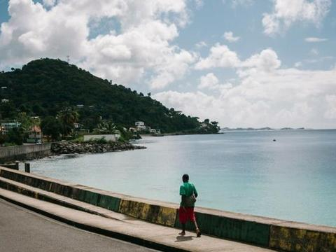 沿着加勒比海岸延伸出去的这片地区长1600公里