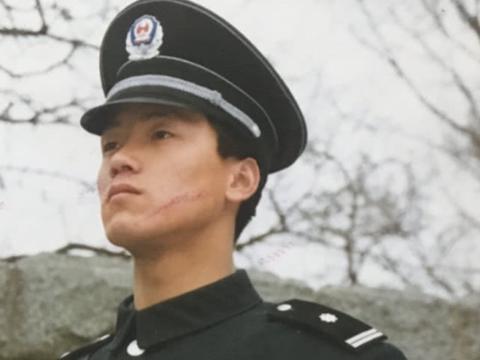 他曾经在北京大学当保安