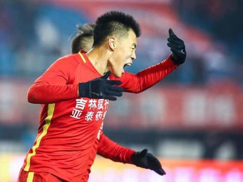 一方在上海积极备战新赛季 赵明剑加盟在望谭龙也要来?