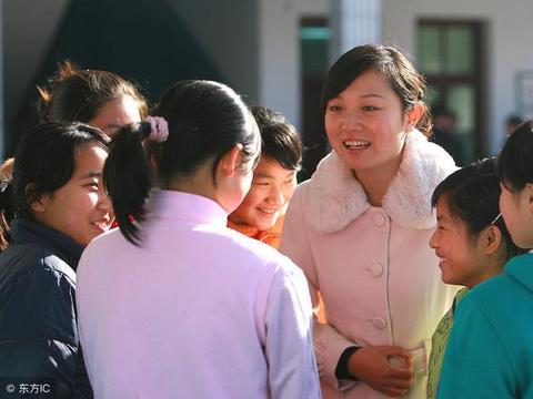 千万教师迎来七大好消息!幸福感满满,教师成为领人羡慕的职业。