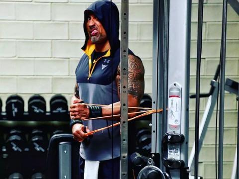 除了和傻X讲道理,练肌肉还有什么用?
