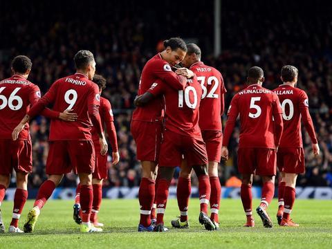 够狠!一场2-1让英超悬念再生 利物浦反超曼城登顶 新纪录诞生