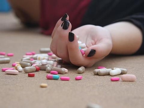 爱你就给你吃避孕药?这样的男朋友晚分手一天都是你倒霉!