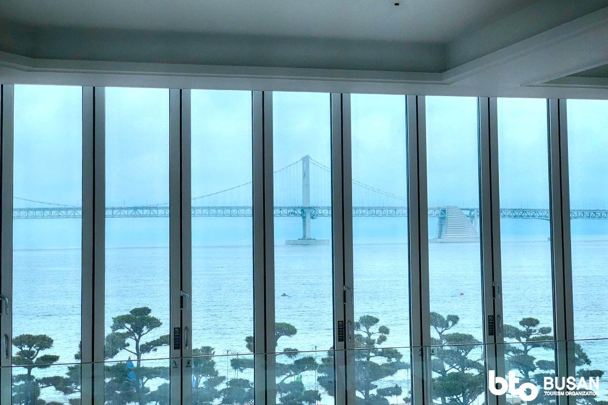 釜山最具代表性的地标建筑之一就是广安大桥了
