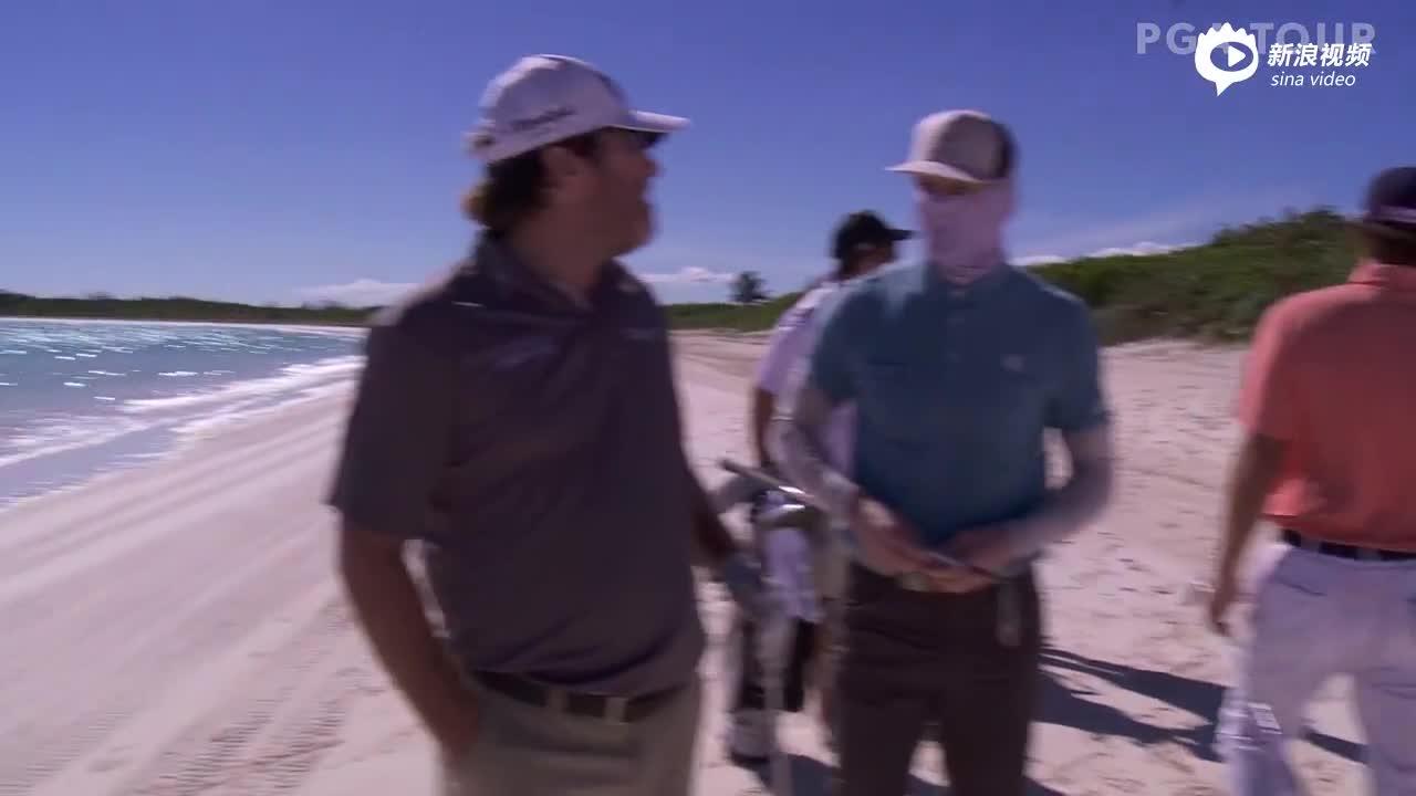 球员挑战沙滩高尔夫