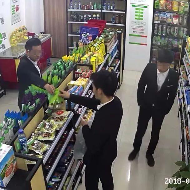 三小伙到杭州疯狂偷窃无人超市被秒抓 民警:送分题