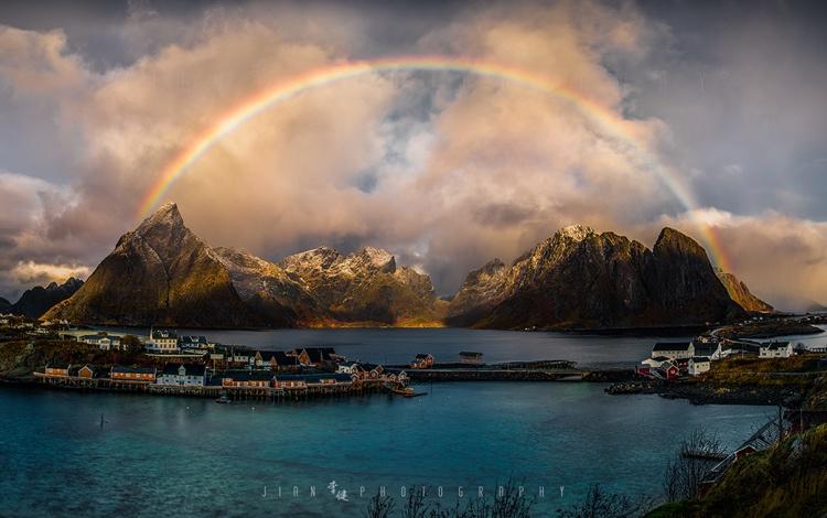 充满神话色彩的北欧极光,梦幻仙境·挪威罗弗敦群岛的图片