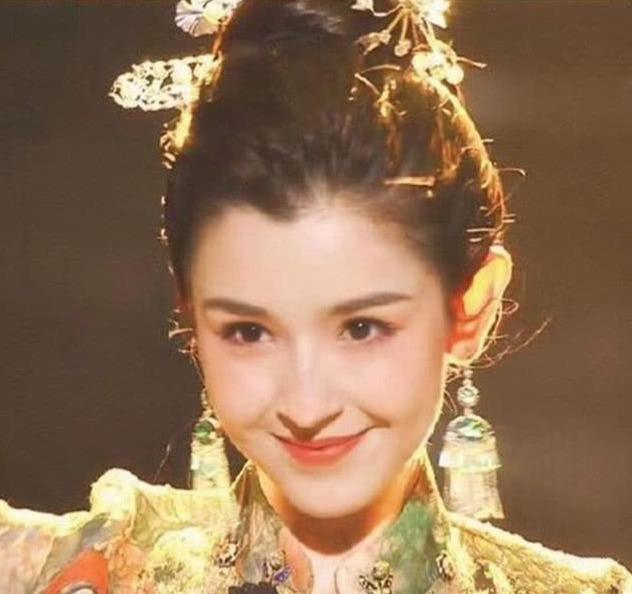 新疆女演员哈妮克孜因《国风美少》在娱乐圈大受欢迎.