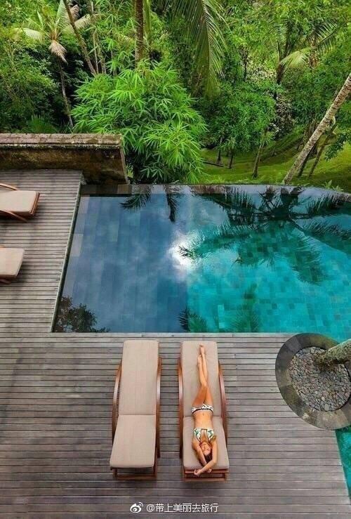 巴厘岛,一定要去看看。