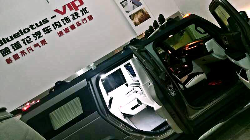 悍马H2改装内饰 大气的越野车内饰改装