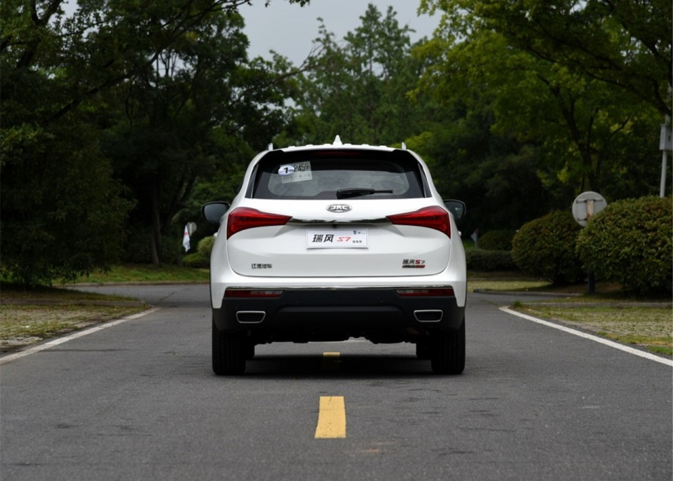 如果说SUV是一个微分方程,那瑞风S7算是一个国产SUV的解