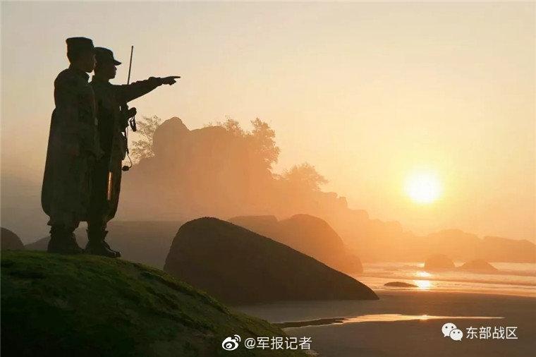 刘强东深夜发内部信追忆17年创业点滴 首提京东