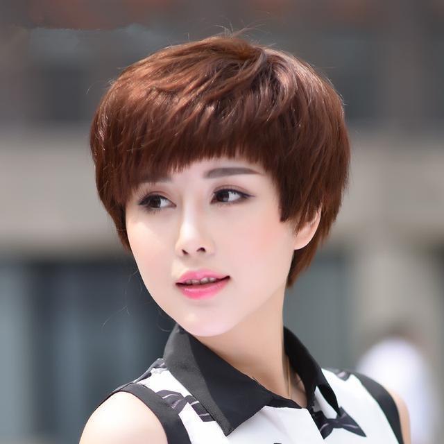 四五十岁的女人别乱剪发,2018年超流行的发型,年轻十图片