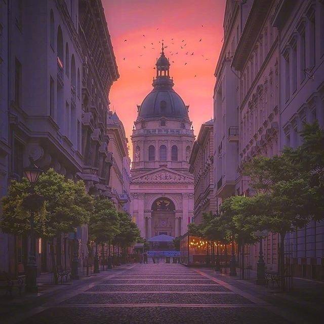 黄昏下的匈牙利布达佩斯
