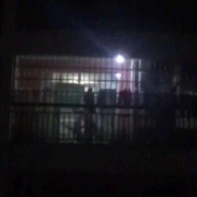 南宁一孩子遭殴打哭喊救命 警方通报:嫌疑人已被拘留
