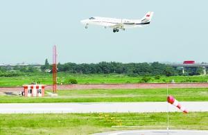 南昌瑶湖机场校飞完成 将承接C919等中国大飞机试飞