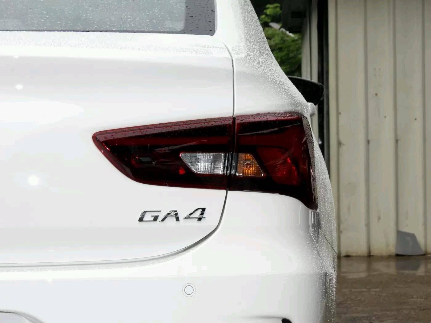 车长近4.7米,标配ESP,这国产好车为何卖不动?