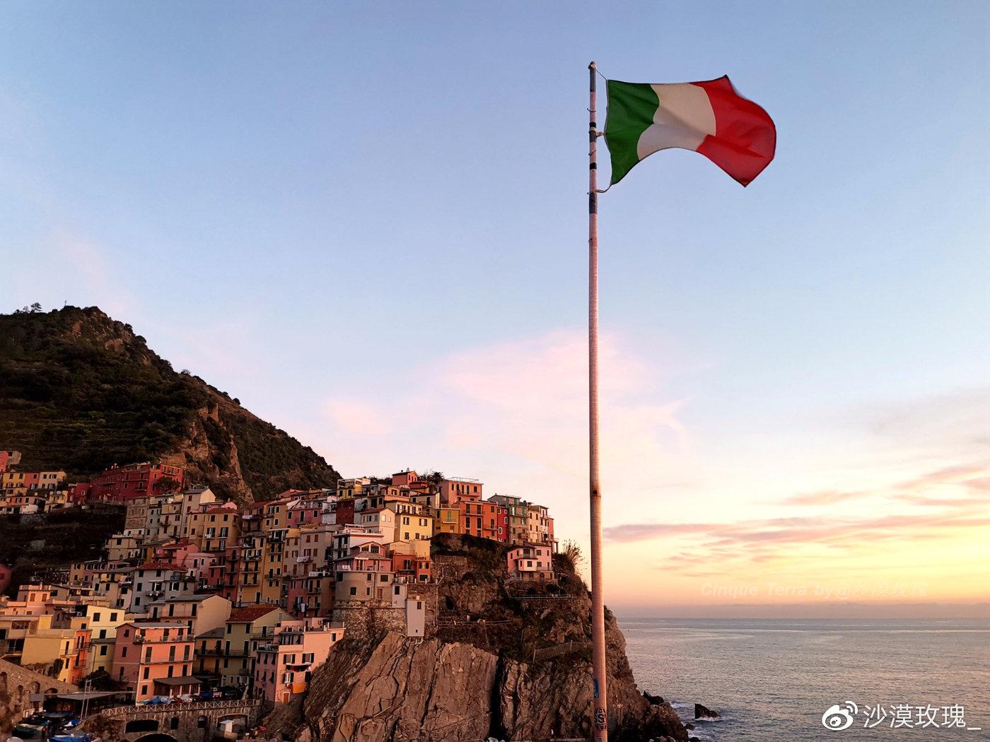 意大利最小的国家公园,建在悬崖上的梦幻彩色小镇