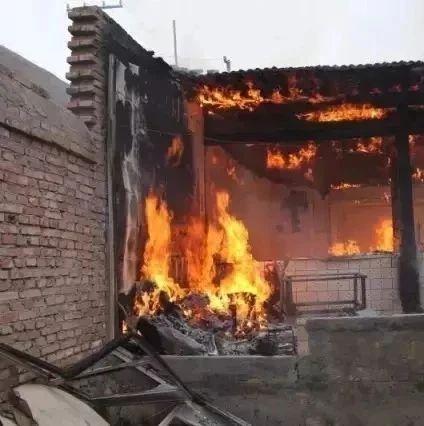 江西一男子放火烧毁自己的家 原因居然是……
