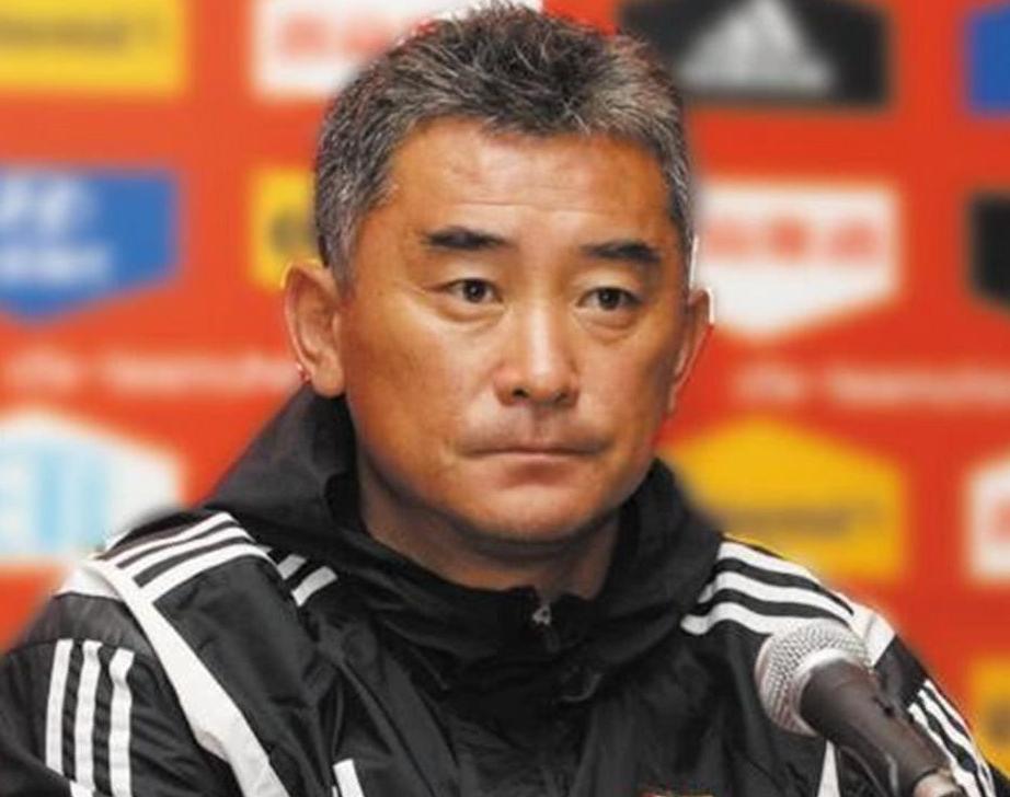 近年来国足的5位教练,法国教练被解雇,西班牙