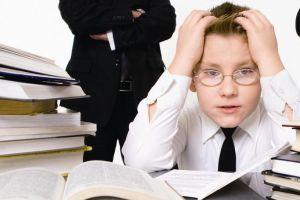 童年时期的压力会阻碍孩子的学业成绩吗?