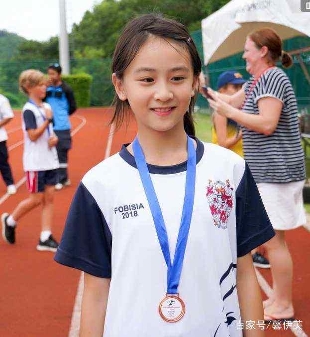 她是田亮的女儿,参加综艺节目走红,田亮晒11岁森碟近照惊艳网友图片