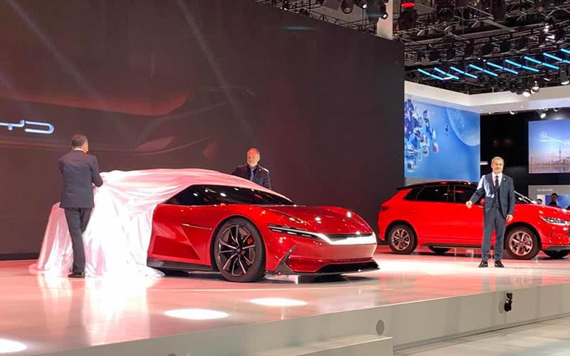 比亚迪发布概念跑车ESeed GT 配三旋屏