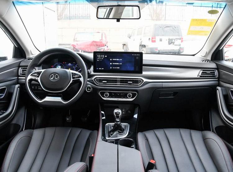 7.33万起步,力压帝豪,成最热门紧凑型SUV