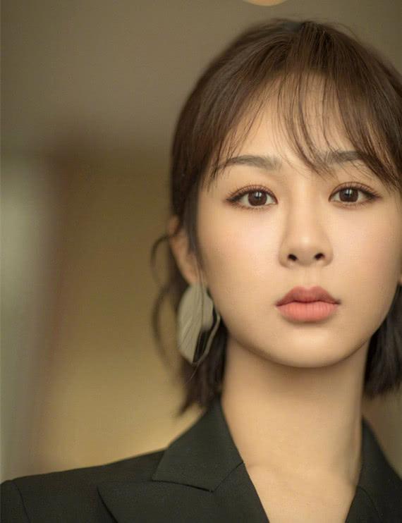 2019首次明星人气排行榜:杨紫逆袭赶超热巴朱一龙让人心疼