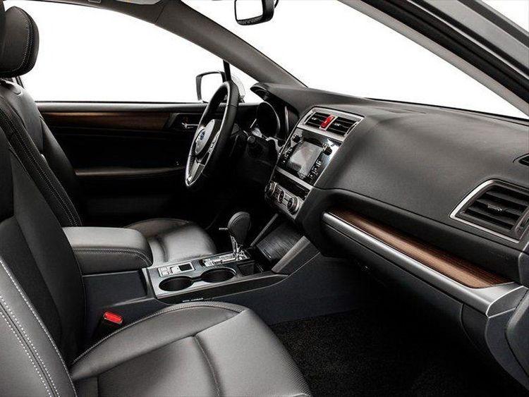 标配2.5L+四驱+座椅加热,比迈腾良心,直接无视雅阁