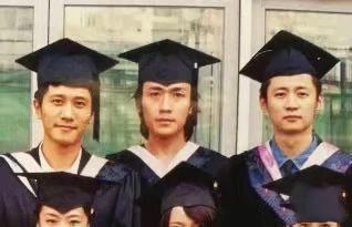 看到鞠婧祎朱一龙学生时期的照片,才明白为什么说那时候没人追