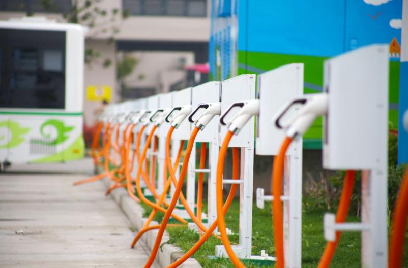 1月新增私人充电桩3.4万台,关于新能源汽车的忧虑将逐步减少