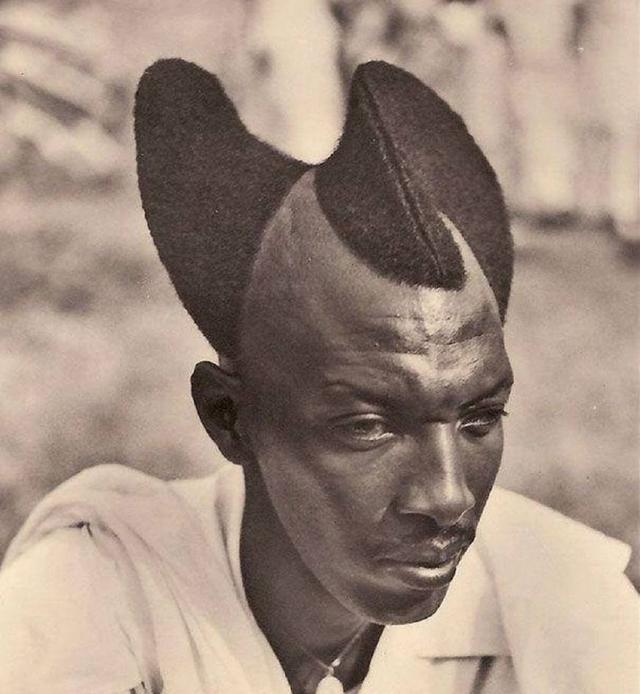 上世纪80年代非洲有钱人留的发型,造型奇特,你见过吗?图片
