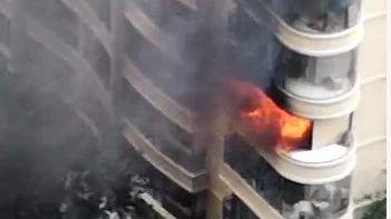 突发!郑州中原新城小区一居民楼发生天然气爆燃