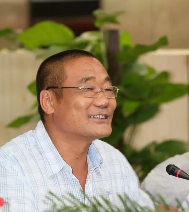 南阳名人辞典:万家园集团董事长兼总裁邢清鑫
