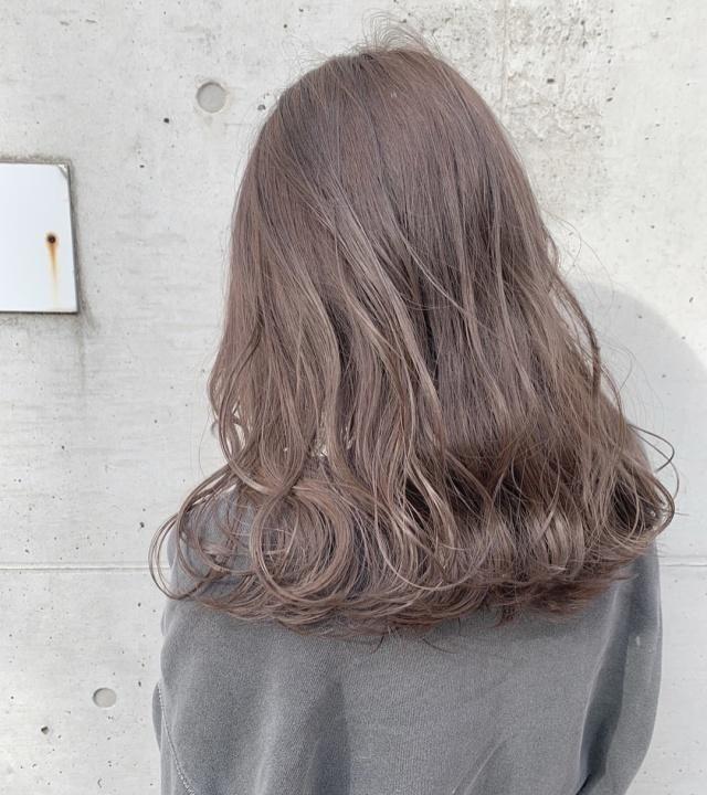 百搭的雾感流行色,染完头发马上显白