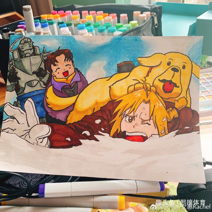 多才多艺,惠若琪用马克笔画画惟妙惟肖,还曾拼装独角兽送给老公