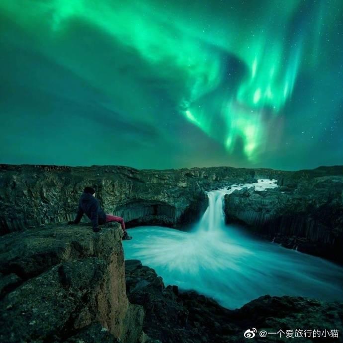 去冰岛看一次极光