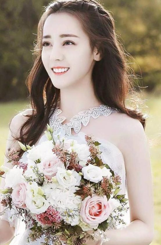 5位女明星穿上婚纱:刘亦菲惊艳,郑爽清新,杨颖美的无
