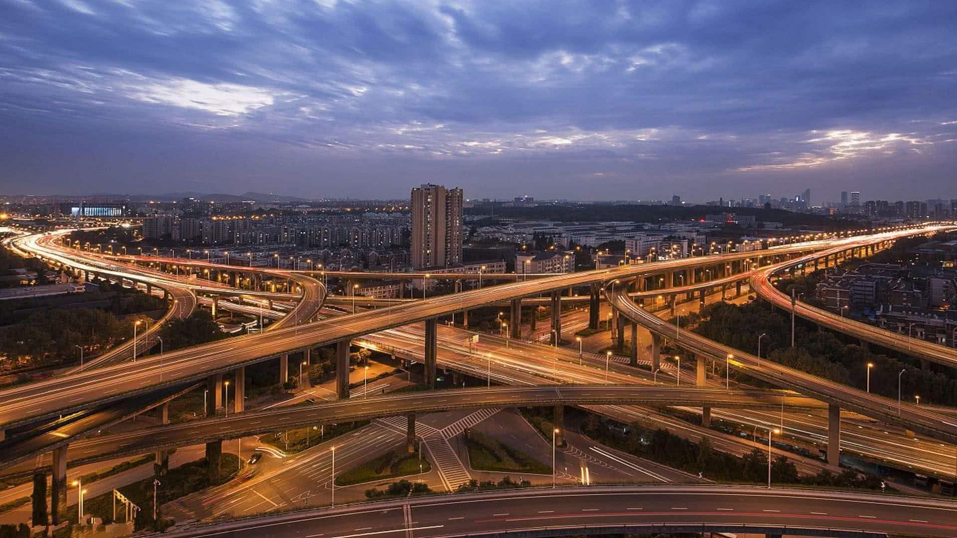 重启抢人!一线城市广州的反击,房地产和经济都获益