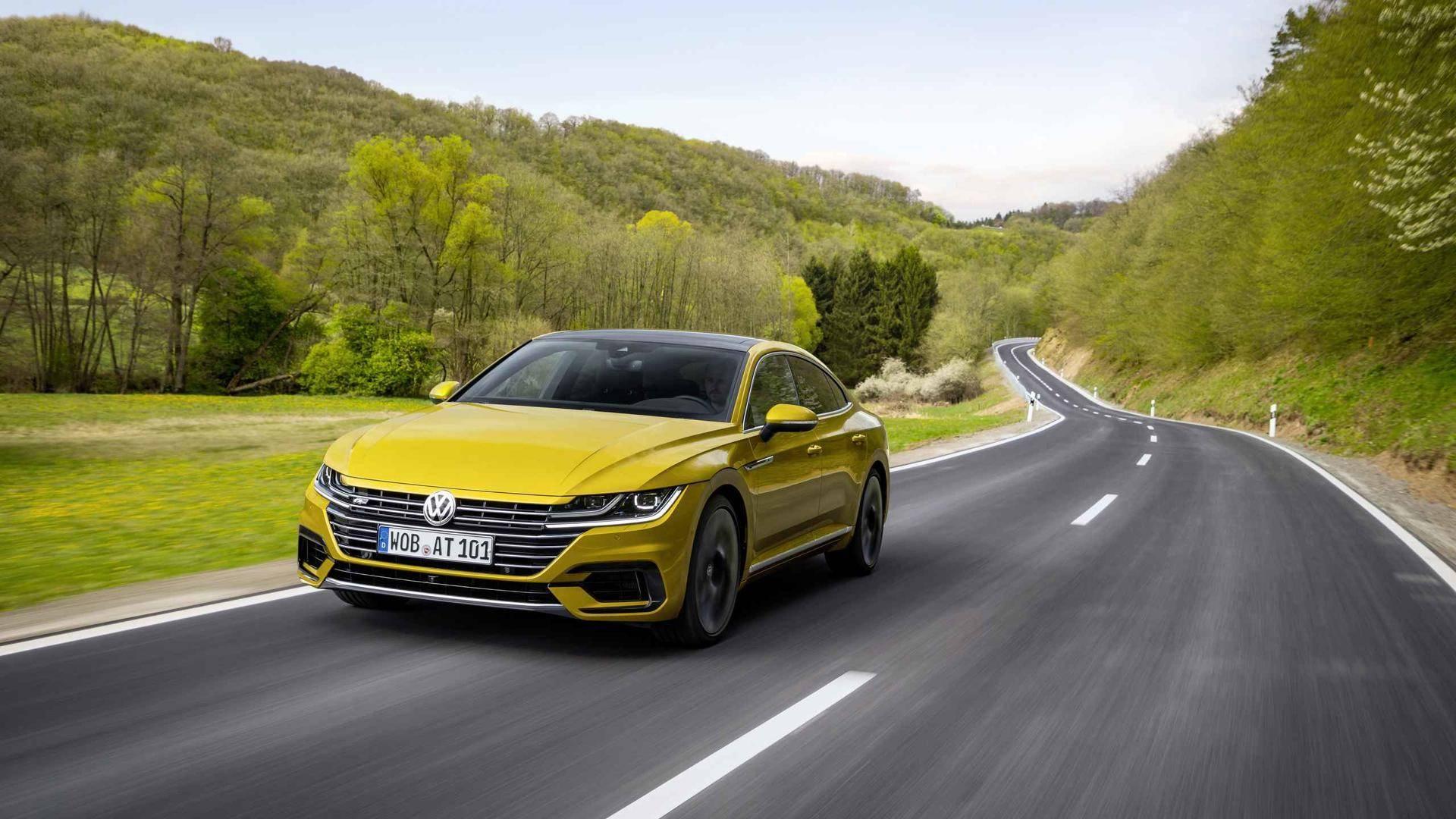 大众也能有40万奔驰质感,比奥迪A5宽敞,5.5L油耗当轿跑