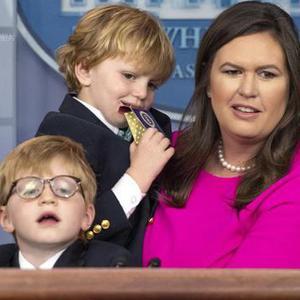 """白宫举办""""带孩子上班日"""""""