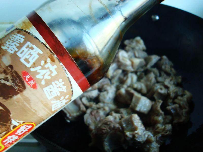 不要老是土豆烧牛肉了,加它烧,比那好吃多多,特绵软糯糯