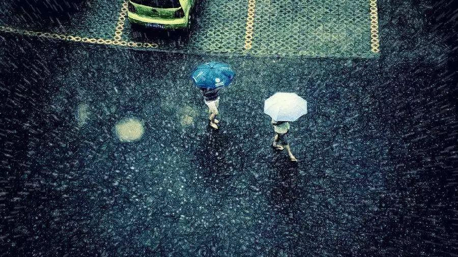 """今日辽宁雷雨""""包场""""多地大雨 天气偏凉降温1-7℃"""