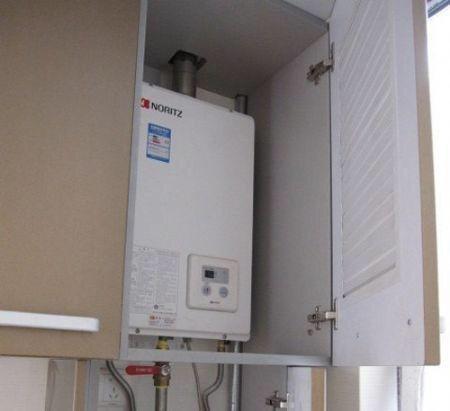 燃气热水器其购买成本高,安装复杂.图片