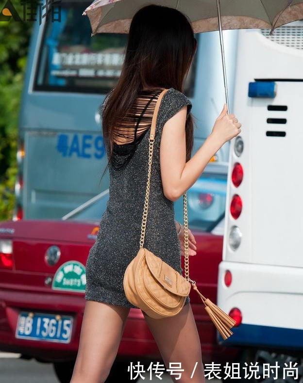 日本熟女大屁股有哪些_微胖熟女紧身裙裹出饱满曲线丰满臀部,曲线优美身姿迷人,女人魅