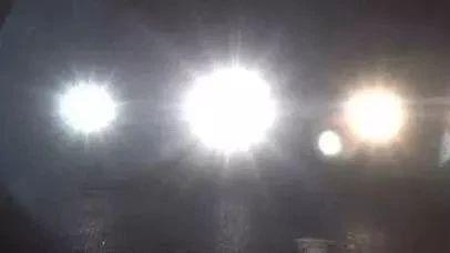 九江交警即将对违规使用远光灯进行严厉查处