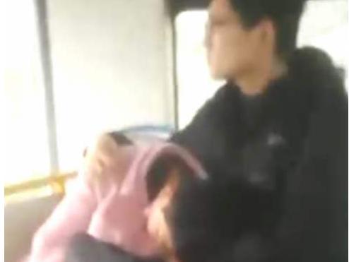 大学生手托熟睡女子被报性骚扰怎么办