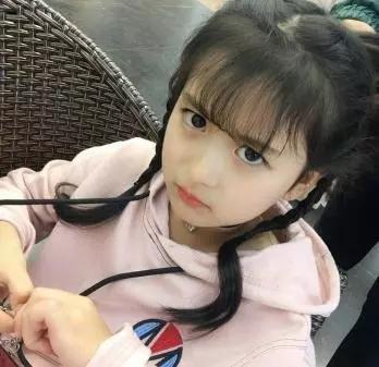 9岁裴佳欣扮演林黛玉,亭亭玉立宛若黛玉在世,却输给11岁的她