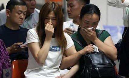 泰国普吉岛沉船事故涉事船长遭指控 业内人士:风浪不